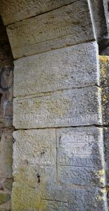 Inondations gravées dans la pierre